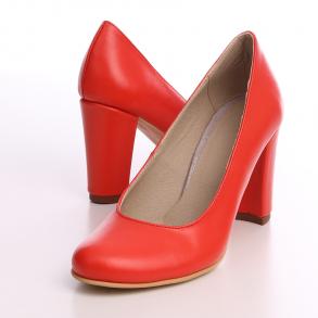 Pantofi din piele naturala corai cu toc imbracat la nuanta pantofilor